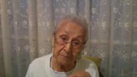 Abuela mexicana enojada