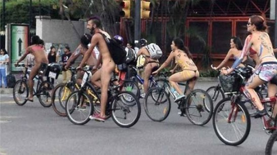 CiclistasdesnudosCaracas-2