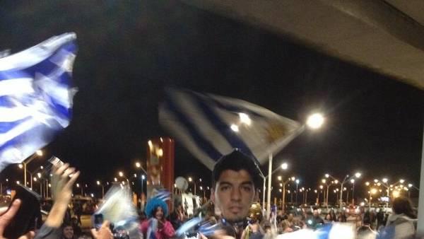 Suarez-Aeropuerto-Carrasco-Montevideo-Twitter_CLAIMA20140626_0354_27