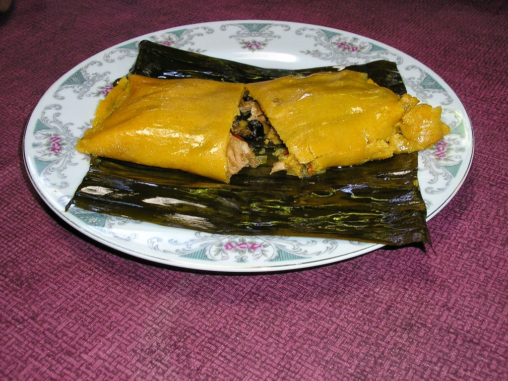 Hallacas Receta (Venezuelan Tamales recipe) - I'm Going Bananas