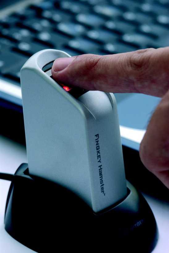 control_de_acceso_biometrico_al_comedor_de_una_residencia_universitaria