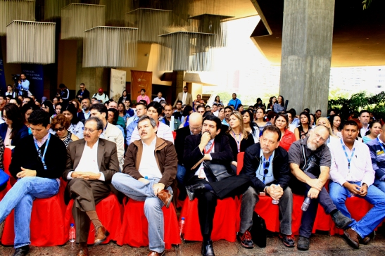 Director del IVIC, Dr. Eloy Sira y autoridades del instituto