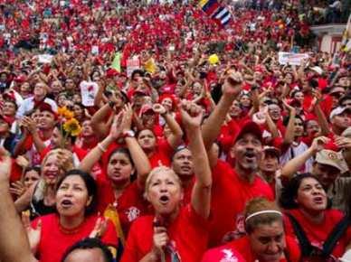El-pueblo-construye-el-Socialismo-junto-a-Chávez-441x330