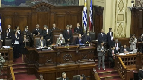 Senadora Lucía Topolansky abre el 1er período de sesiones de la 48a legislatura