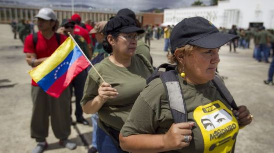 Mujeres-participan-ejercicio-Caracas-Venezuela_LPRIMA20150314_0107_24