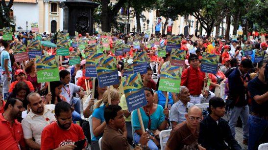 La Frontera Tiene Quien Le Escriba Plaza Bolivar_EM 020